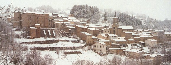 Votre station de ski préférée ? 203-chalmazel_sous_la_neige
